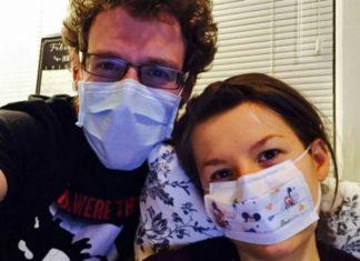 Η γυναίκα που υποφέρει από αλλεργία στον άνδρα της