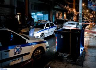 Επίθεση με τραυματία αστυνομικό των ΜΑΤ στα γραφεία του ΠΑΣΟΚ