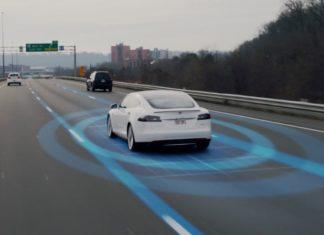 Η Tesla φέρνει στα οχήματά της σύστημα προειδοποίησης πλαϊνής σύγκρουσης