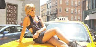 Ανέκδοτο: Η γυμνή και ο ταξιτζής...