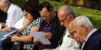 Στον αέρα 65.000 νέες συντάξεις: Αδιέξοδο με το νόμο Κατρούγκαλου
