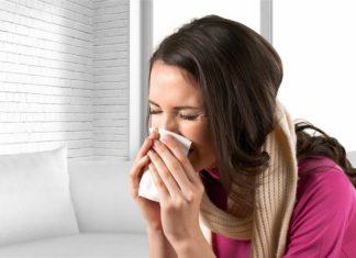 Απλό κρυολόγημα ή γρίπη; Συμπτώματα και διαφορές για να ξέρετε τι έχετε