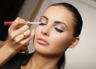 Πώς να βάφετε τα μάτια σας ανάλογα με το σχήμα τους