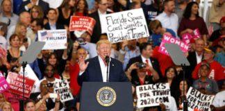 Επιστροφή σε προεκλογικούς ρυθμούς για τον Τραμπ: «Δεν παραιτούμαστε ποτέ»