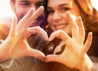 Αυτά είναι τα 4 πράγματα που κάνουν τα παντρεμένα ζευγάρια και μένουν ευτυχισμένα