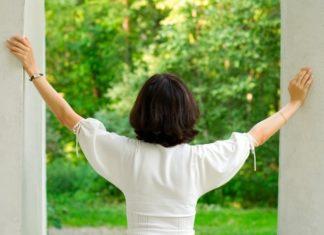 7 τρόποι για να βελτιώσετε την ποιότητα του αέρα στο σπίτι σας