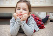 Ένα παιδί συμβουλεύει