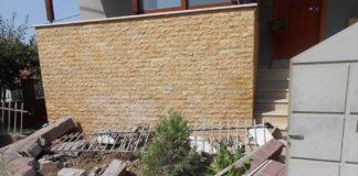 Βόλος: Έπεσε με το αυτοκίνητο σε τοίχο σπιτιού