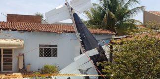Αεροπλάνο έπεσε σε πισίνα στη Βραζιλία [βίντεο]