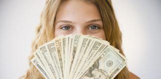 Τα λεφτά αγοράζουν την ευτυχία (αν ξοδευτούν σωστά)