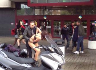 Καυγάς μεταξύ γυναικών: Την έγδυσε στη μέση του δρόμου!