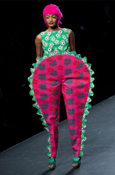 αστεία γυναικεία ρούχα