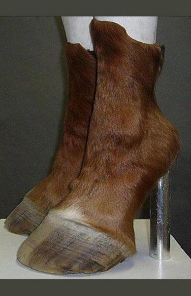 γυναικείες μπότες πόδια ζώου