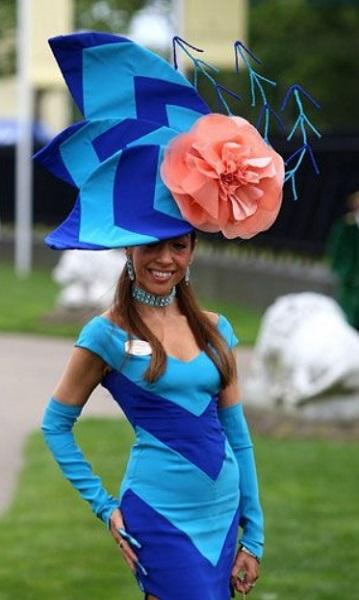 περίεργα γυναικεία καπέλα